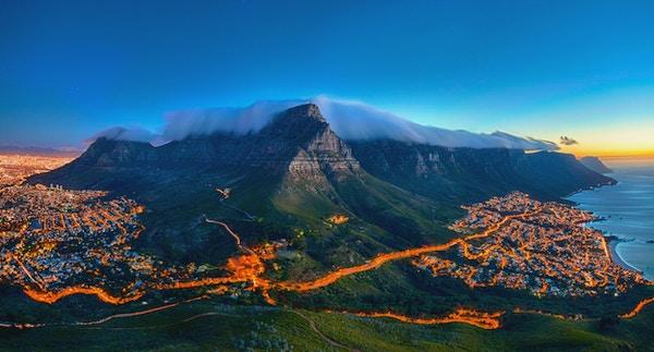 Table Mountain er et av de mest besøkte turistmålene i Cape Town.