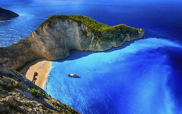 Berømt Navagio-strand (Smugglers Cove) med forlatt smuglerskip. Zakynthos øy