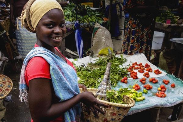 Det lokale markedet Senegambia i Serrakunda er en opplevelse