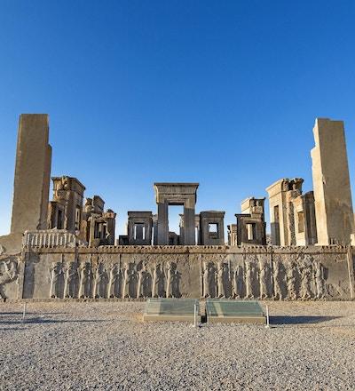 Ruinene og søylene av Apandana i byen Persepolis, Iran.