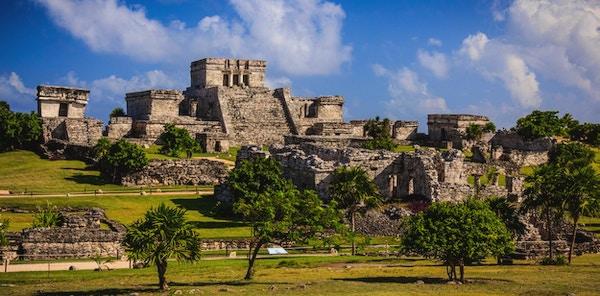 Mayan Ruins of Tulum i Quintana Roo, Mexico. Disse gamle ruinene ligger på stranden i Det karibiske hav på Yucatan-halvøya.