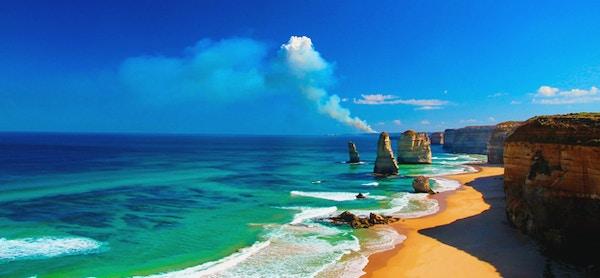 De spektakulære klippeformasjonene De 12 apostlene langs Great Ocean Road.