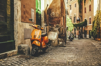 Gateutsikt i Trastevere, Romas favorittområde