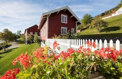 Røde gårdsbygg