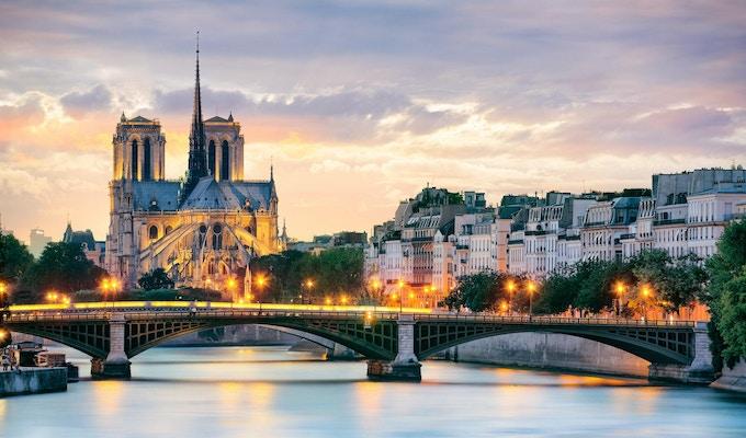 Kveldstemning med Notre Dame og Seinen