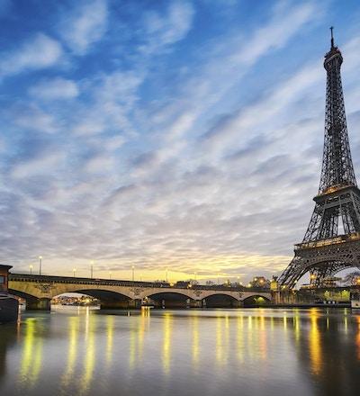 Eiffeltårnet fra elven Seine