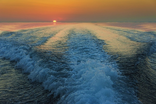 Solnedgangen på havet
