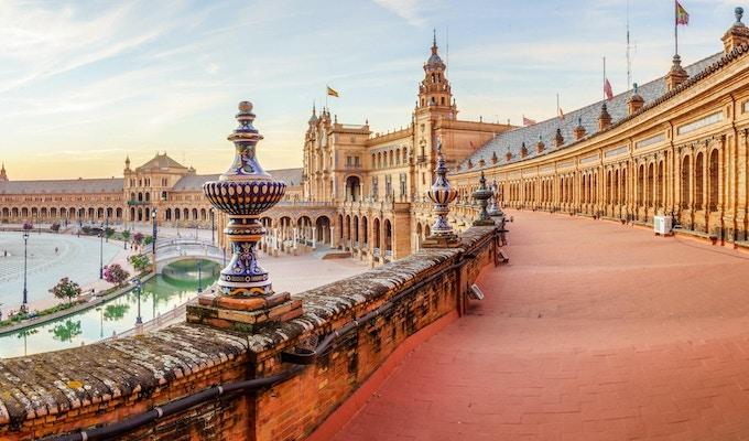 Plaza de Espana i Sevilla ble bygget i 1928.