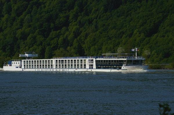 MS River Diamond seiler på Rhinen