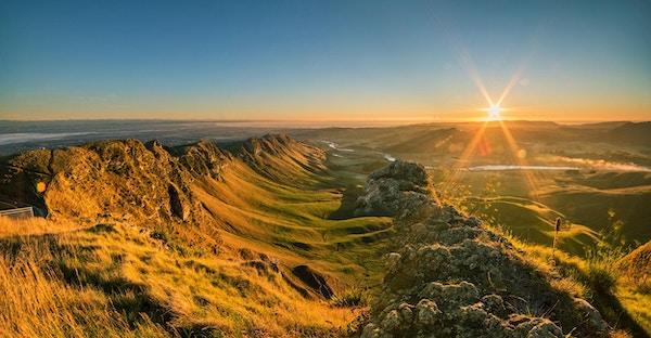 De første fargene på en dag er mer begivenhetsrike når du er oppe på den mektige toppen for å fange soloppgangens skjønnhet