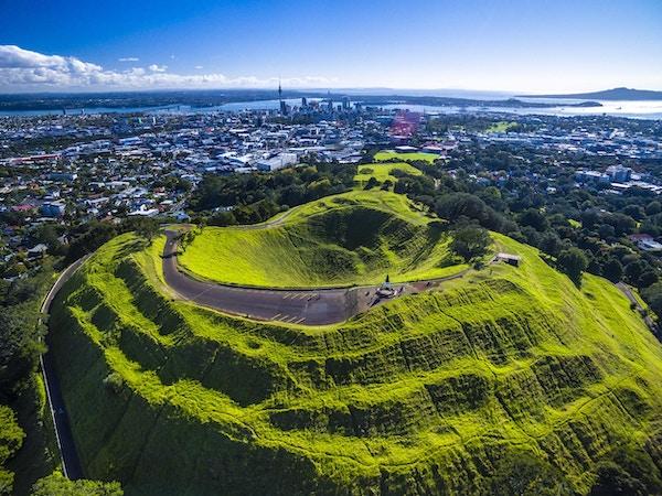 Luftfoto av Mt. Eden, Auckland / New Zealand.