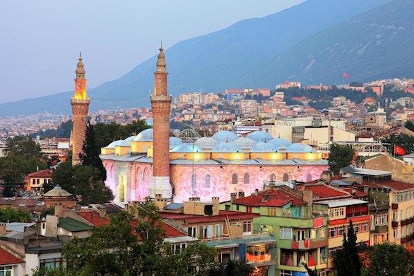 Bursa Grand Mosque eller Ulu Cami er den største moskeen i Bursa, Tyrkia.
