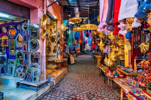 Typisk soukemarked i Marokko.