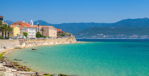 Ajaccio, Korsika, Frankrike. Kystbybildepanorama