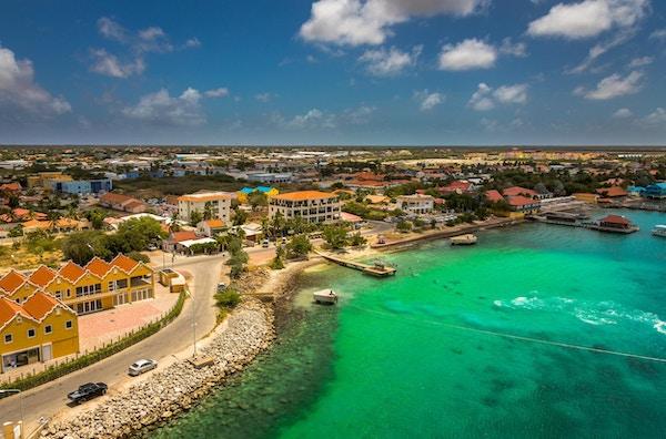 Kralendijk, hovedstaden på Bonaire i Karibia.