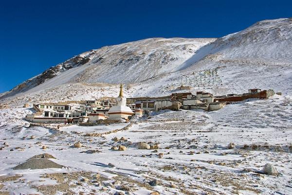 """""""Rongbuk (Rongphu) kloster, det siste bønneposten før oppstigning til Mount Everest"""""""
