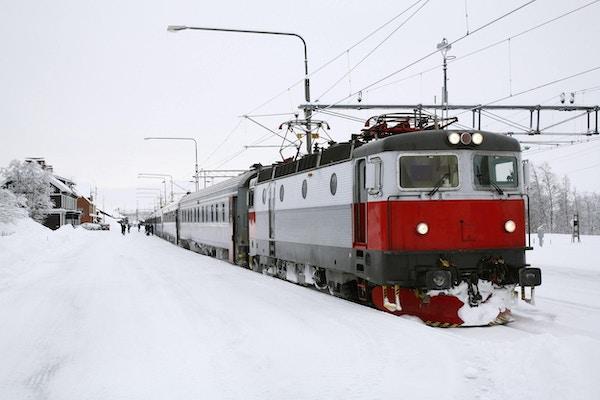 Persontog på arktisk vinter
