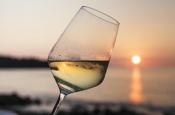 hvitvin ved solnedgang