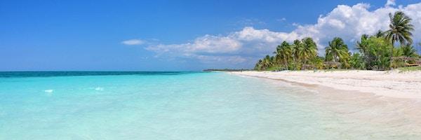 Panorama av stranden på øya Cayo Levisa, Cuba