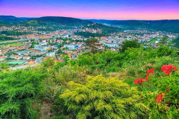 Fantastisk solnedgang og vakkert bypanorama, Sighisoara, Transylvania, Romania, Europa