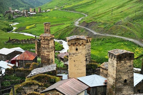 Gamle svanstårn i Ushguli-landsbyen i øvre Svaneti-regionen i Georgia