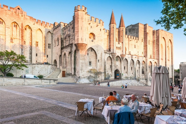 Pavepalasset i Avignon som ble pavens hjemsted i 1309. Slottet okkuperer et område på 2,6 dekar. 5. september 2011 Avignon.