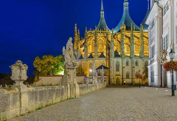 St Barbara kirke i byen Kutna Hora - Tsjekkia - reise og arkitektur bakgrunn