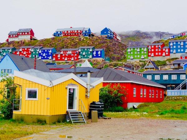Qaqortoq er den største landsbyen i Sør-Grønland med 3000 innbyggere.
