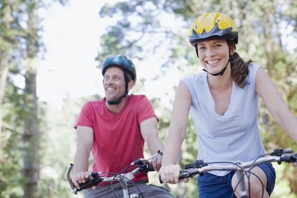 Par sykkeltur i avsidesliggende område