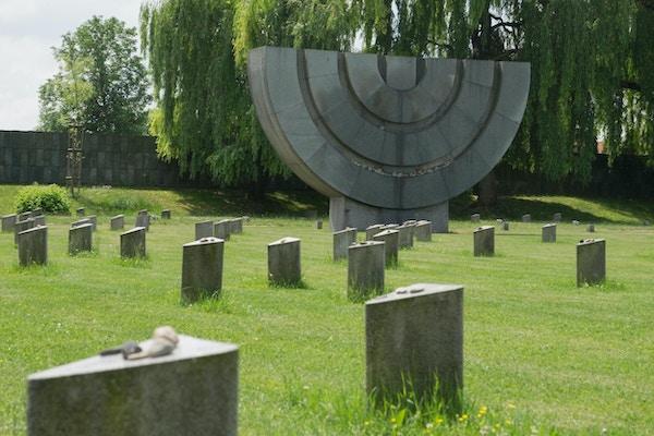 Kirkegård ved konsentrasjonsleiren Terezin, Tsjekkia