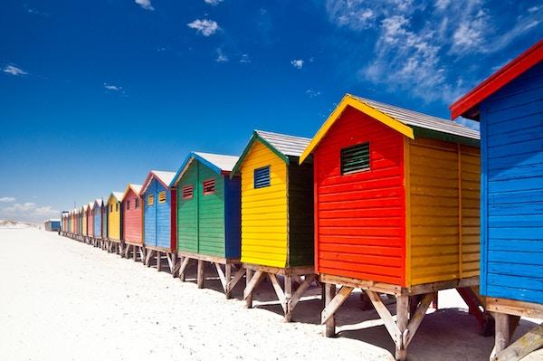 """""""Muizenberg fargerike strandhytter i Cape Town, Sør-Afrika."""""""