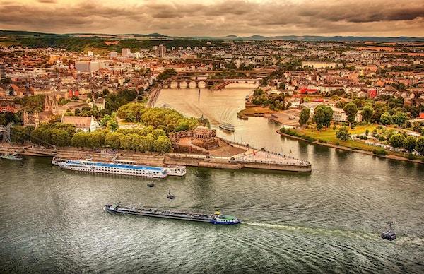 To elver møtes ved byen Koblenz