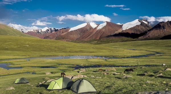 camping i Kirgisistan-fjellene.