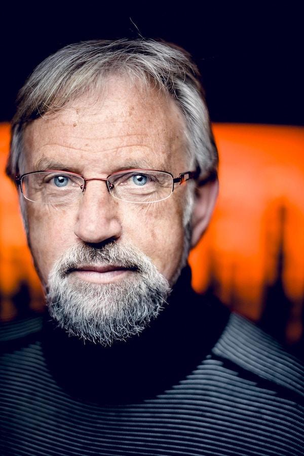 Portrett av Torbjørn Færøvik, forfatter og foredragsholder