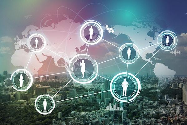 Moderne by og et nettverk av verdensvante mennesker illustrert i et abstrakt bilde