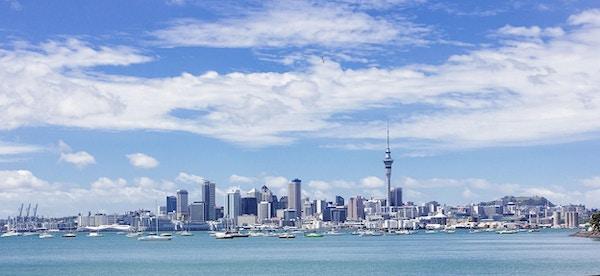 Auckland er en livlig havneby.