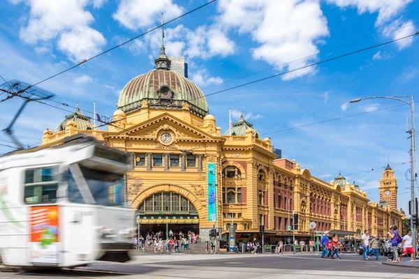 Flinders Street Station er et naturlig møtepunkt når man kommer med toget.