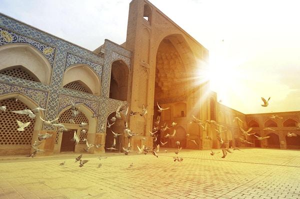 De arkitektoniske perlene ligger på rekke og rad i Ishafan.