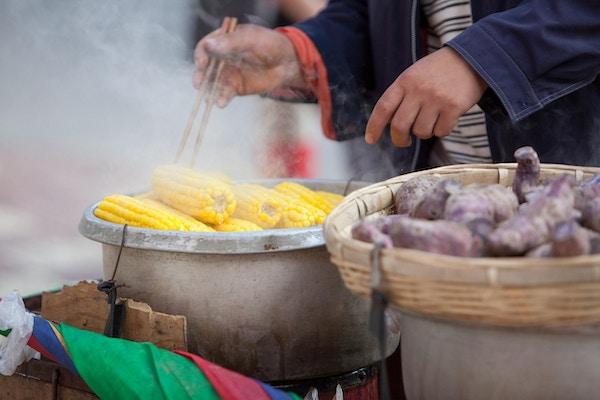 Kinesisk mat, Kunming, Yunnan-provinsen, Sør-Kina.