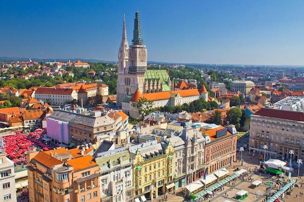 Zagreb hovedtorg og katedral luftig utsikt, Kroatia