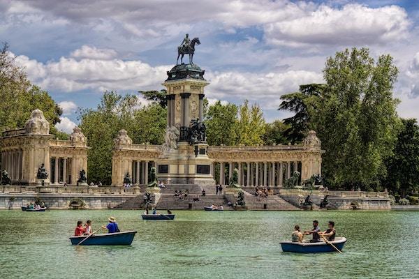 Båter i El Retiro Park, Madrid.