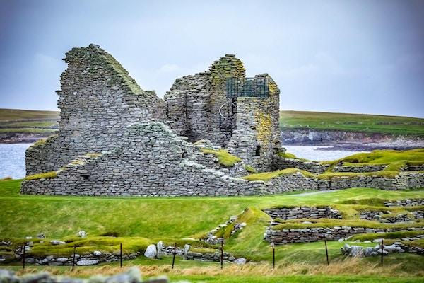 Ruiene av Jarlshof på Shetlandsøyene.