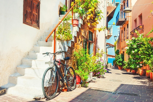 Vakker gate på Chania, Kreta, Hellas. Sommerlandskap