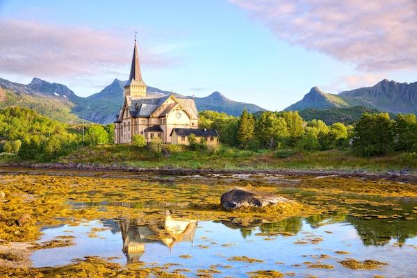 Lofoten Domkirke eller Vagan kirke i Kabelvag, Norge