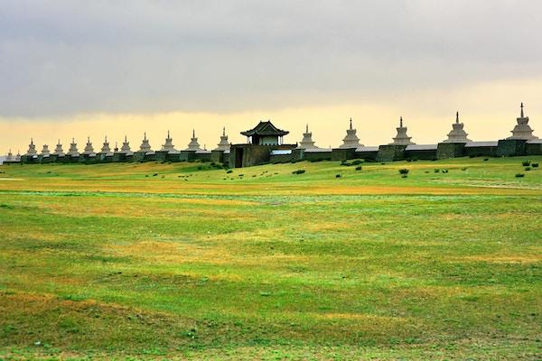 Karakorum bymurer, gamle hovedstad i middelalderens mongolimperium. Vegger konstruert etter Ghengis Khans død.