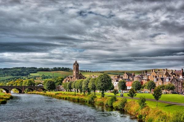 Landsbyen Peebles i Skottland.