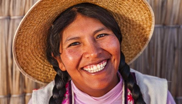 Peruansk kvinne med karakteristisk hatt.