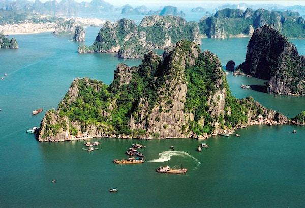 Halong Bay i Vietnam.