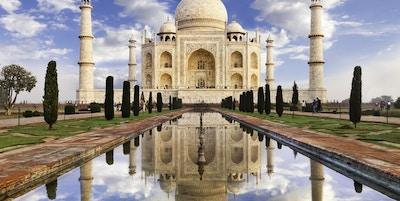 Taj Mahal i morgenlys. Ligger i Agra, India.