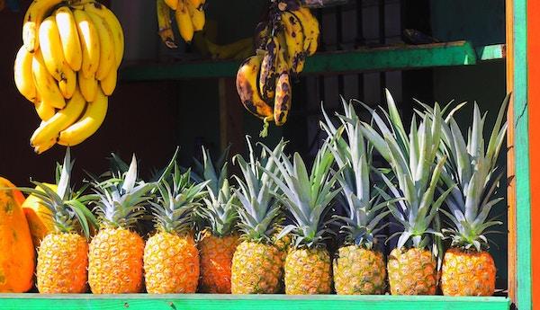 Tropiske frukt i butikk i Costa Rica.